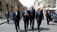 Le président Emmanuel Macron (2e g), la ministre des Affaires Européennes Marielle de Sarnez, le Premier ministre Edouard Philippe (2e d) et le ministre des Affaires Etrangères Jean-Yves Le Drian le 23 mai 2017 à Paris [Etienne LAURENT / POOL/AFP/Archives]