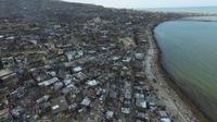 Les très nombreuses habitations endommagées ou détruites par l'ouragan, à Jeremie, dans l'Ouest d'Haïti, le 7 octobre 2016 [Nicolas GARCIA / AFP]