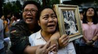 Réactions à Bangkok après la mort du roi de Thaïlande, le 13 octobre 2016 [LILLIAN SUWANRUMPHA / AFP]