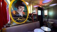 Le Café des deux moulins, le 7 août 2013, où ont été tournées certaines scènes du film Amélie Poulain en 2000 [Eric Feferberg / AFP/Archives]