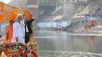 Le président de la République française Emmanuel Macron et le Premier ministre Narendra Modi, lors d'une visite à Varanasi le 12 mars 2018 [Ludovic MARIN / AFP]