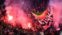 Des fumigènes allumés lors du match entre le PSG et l'Etoile Rouge Belgrade, en Ligue des champions, le 3 octobre 2018 au Parc des Princes [Anne-Christine POUJOULAT             / AFP/Archives]