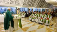 Le pape François célèbre une messe à Santa Marta, le 1er septembre 2015 au Vatican [ / OSSERVATORE ROMANO/AFP]