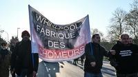 Manifestation des salariés de Whirlpool, lors de l'arrivée d'Emmanuel Macron dans sa ville de naissance, à Amiens, le 21 novembre 2019le [DENIS CHARLET / AFP/Archives]