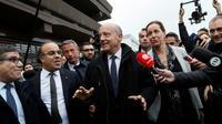 """Alain Juppé sur la célèbre """"Dalle"""" le 2 novembre 2016 à Argenteuil  [Thomas SAMSON / AFP]"""