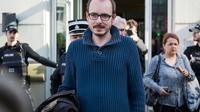 Antoine Deltour, l'un des deux lanceurs d'alerte à l'origine du scandale du Luxleaks, quitte la cour d'Appel du Luxembourg, le 15 mars 2017 [Aurore Belot / AFP/Archives]