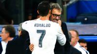 Le message de Cristiano Ronaldo glissé dans l'oreille de Laurent Blanc a relancé l'hypothèse d'une signature à Paris.