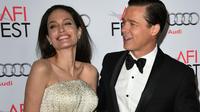 Angelina Jolie et Brad Pitt à l'avant première de « Vue sur mer » à Hollywood