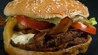 L'homme a appelé la police pour connaître la composition de son hamburger.