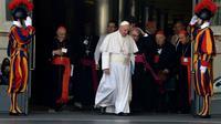 Le pape François le 5 octobre 2015 au Vatican pour le synode sur la famille [TIZIANA FABI / AFP]