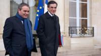 Xavier Bertrand (g) et Francois Fillon à leur sortie de l'Elysée, le 25 avril 2012 à Paris [Lionel Bonaventure / AFP/Archives]