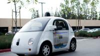 Une Google car traversant un parking du siège de Google à Mountain View en Californie, le 8 janvier 2016   [NOAH BERGER / AFP/Archives]