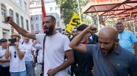 Les employés d'un McDonald's menacé de fermeture devant le tribunal à Marseille, le 27 août 2018 [Christophe SIMON / AFP]