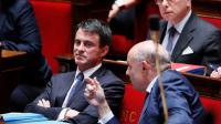 Le Premier minstre Manuel Vall et le secrétaire d'Etat aux Relations avec le Parlement Jean-Marie Le Guen le 29 juin 2016 à l'Assemblée nationale à Paris [Thomas SAMSON / AFP/Archives]
