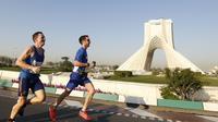 Des coureurs participent au premier marathon international à Téhéran, en Iran, le 7 avril 2017 [ATTA KENARE / AFP]