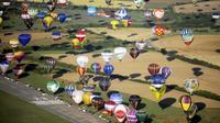 Des montgolfières dans le ciel de Chambley-Bussières le 26 juillet 2009 [Emile Pol / Pool/AFP/Archives]