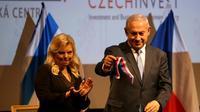 Le Premier ministre israélien Benjamin Netanyahu et sa femme Sara à Jérusalem le 27 novembre 2018  [GALI TIBBON / AFP/Archives]