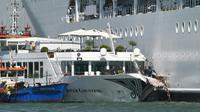 Des secours à bord du bateau touristique River Countess, heurté par le paquebot de croisière MSC Opera, le 2 juin 2019 à Venise [Andrea PATTARO / AFP]