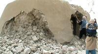 Capture d'écran d'une vidéo de jihadistes détruisant un ancien mausolée le 1er juillet 2012 à Tombouctou au Mal [Str / AFP]