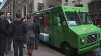 Longtemps cantonnés à la saucisse-frites ou à la pizza, ces camions-restaurants se mettent aujourd'hui à la gastronomie.