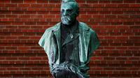 La statue d'Alfred Nobel à l'Insitut  Karolinska le 3 octobre 2011 à Stockholm [JONATHAN NACKSTRAND / AFP/Archives]