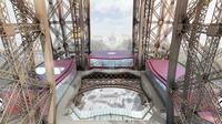 Entièrement rénové, le premier étage est notamment composé d'un plancher en verre.