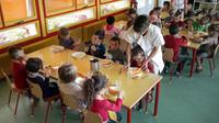 En principe, les cantines scolaires sont librement administrées par les communes.
