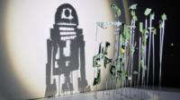 RD-D2 prend vie sous la main créative de l'artiste Red Hong Yi.