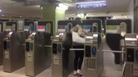 Surfer sur internet, envoyer des sms ou encore passer des coups de téléphone, c'est désormais possible sur le tronçon parisien du RER C.