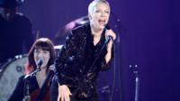 Annie Lennox en concert à Los Angeles