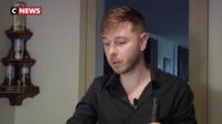 Un membre du club LGBT veut apprendre à utiliser des armes, pour savoir se défendre contre les néo-nazis.