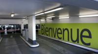 8.000 places de parking resteraient inoccupées à Paris. 3.000 d'entre elles pourraient servir aux abonnés des transports en commun.