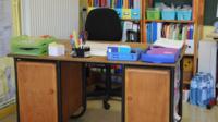 Le terme «bureau» tire son origine d'un tissu, utilisé au Moyen Age.