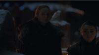 Sansa Stark et sa sœur Arya à Winterfell.
