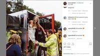 Les pompiers de Los Angeles ont escorté une mariée.