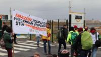 Ce jeudi après-midi, des militants écolos bloquaient un entrepôt d'Amazon, afin de dénoncer le «Black Friday».