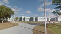 La prison de Land O' Lakes en Floride a vu l'un de ses anciens détenus, à peine libéré, forcer 26 voitures sur le parking du centre pénitentiaire.