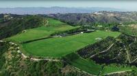 La parcelle de plus de 60 hectares, appelée «La Montagne», est perchée sur les hauteurs du quartier de Beverly Hills.