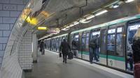 Les quais de la station Montparnasse-Bienvenüe sur la ligne 4 ont été rehaussés et renforcés.