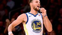Le meneur des Golden State Warriors Stephen Curry lors d'un match de NBA contre les Los Angeles Lakers, le 29 novembre 2017 à Los Angeles [Harry How / GETTY IMAGES NORTH AMERICA/AFP/Archives]