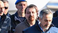 Le détenu sous haute surveillance a été conduit en Sardaigne lundi pour purger une peine d'emprisonnement à vie