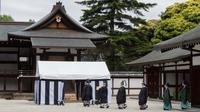 Rituel de divination au Palais impérial à Tokyo, sur une photo fournie le 13 mai 2019 par la Maison impériale [HANDOUT / Imperial Household Agency/AFP]