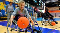 Des matchs de basket en fauteuil entre personnes valides et handicapées sont notamment prévus.