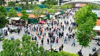 Les allées de Roland-Garros accueillent les boutiques et les points de restauration du tournoi.