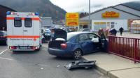 Photo, fournie le 19 novembre 2012 par la police allemande, de la voiture accidentée dans le coffre de laquelle a été retrouvée Chloé.