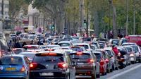 Plus de 600 000 véhicules circulent dans Paris tous les jours.