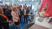 Entourée du proviseur et de l'équipe pédagogique du lycée, la cheffe de la région Ile-de-France, Valérie Précresse, a pu découvrir les nouveaux équipements du lycée.