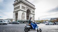 Plus de 1 000 scooters de cette marque sont désormais disponibles dans tout Paris.