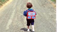 La fillette a parcouru trois kilomètres en chausson avant d'être arrêtée dans son élan.