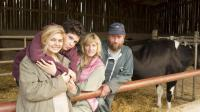 "Louane Emera, Luca Gelberg, Karin Viard et François Damiens dans ""La Famille Bélier"" d'Eric Lartigau."